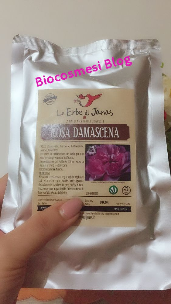 Polvere di rosa damascena, rosa damascena viso, rosa damascena proprietà cosmetiche