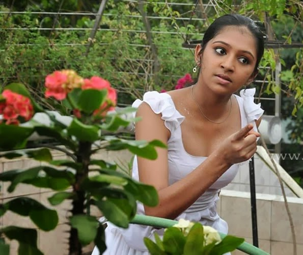 South Indian Actress For You: Lakshmi Menon Hot Photos ...Lakshmi Menon In Raghuvinte Swantham Rasiya