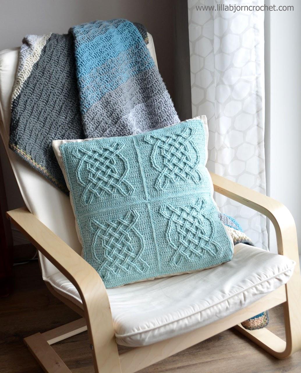 Celtic Tiles pillow - FREE overlay crochet pattern by Lilla Bjorn