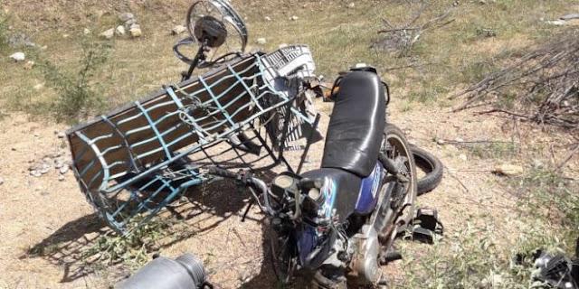 Moto fica destruída após colisão com carro próximo a Mato Grosso-PB; FOTOS