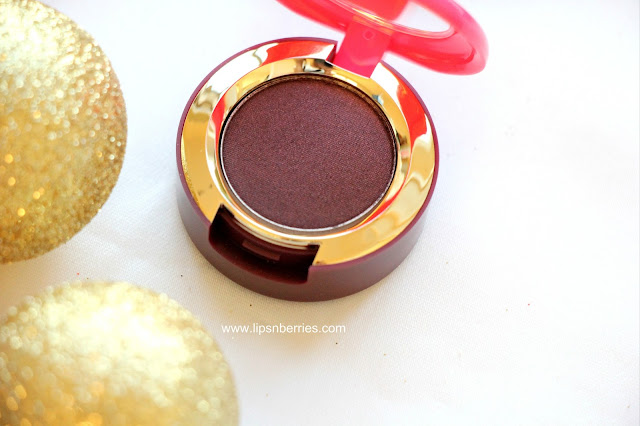 MAC magic dust eyeshadow dark lullaby review