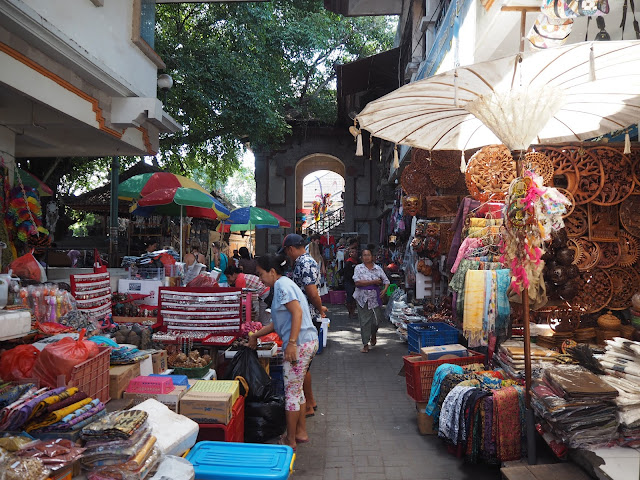 art market ubud bali
