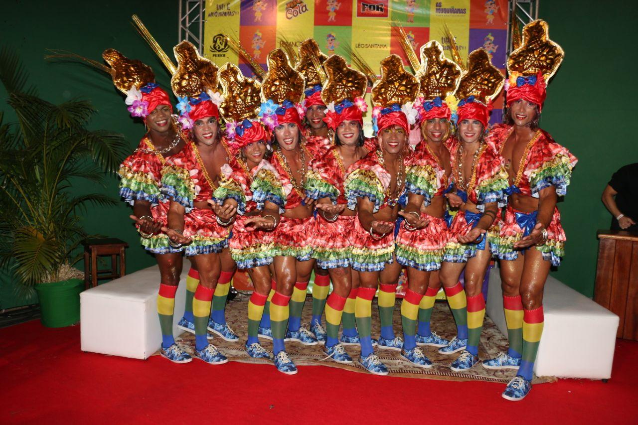 678449bfaac Carnaval está batendo na porta e o folião Muquiranas já pode se programar.  A retirada das tão esperadas fantasias do bloco inicia na próxima  segunda-feira ...