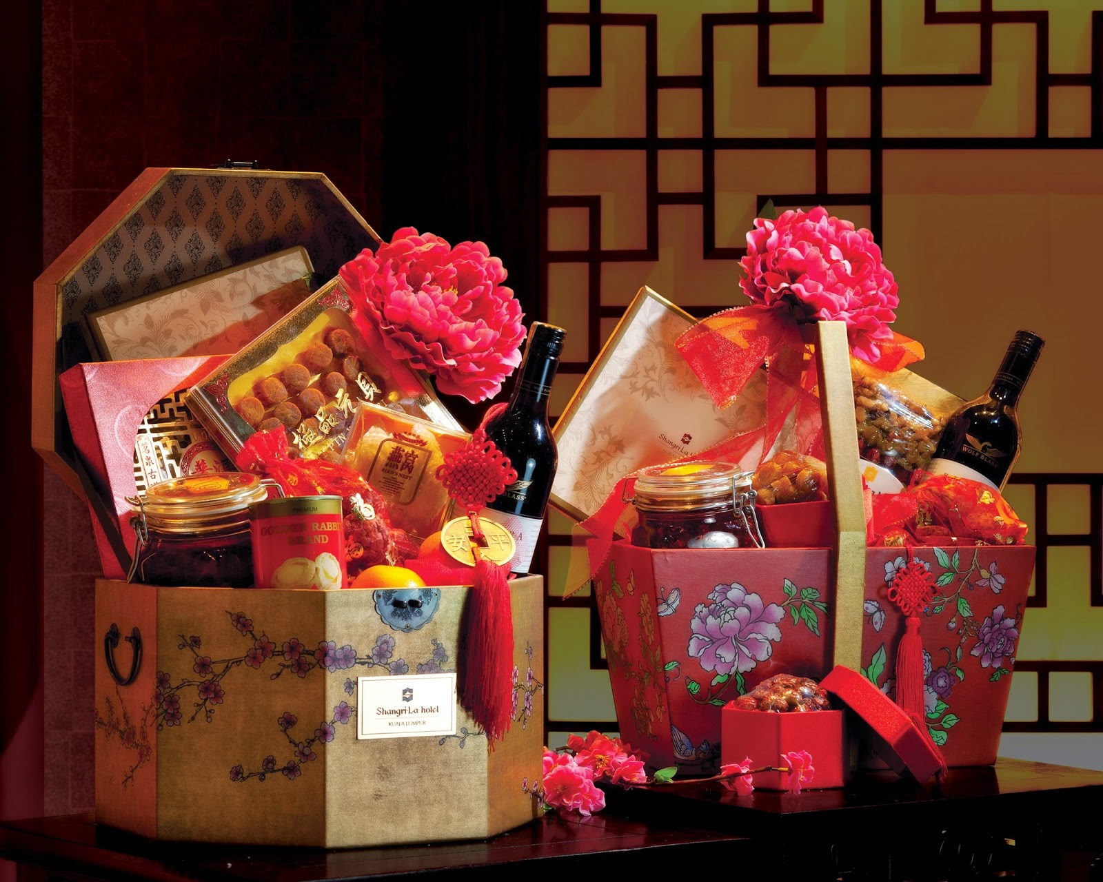 Best New House Gifts Kee Hua Chee Live May The Goat Scamper In With Hampers