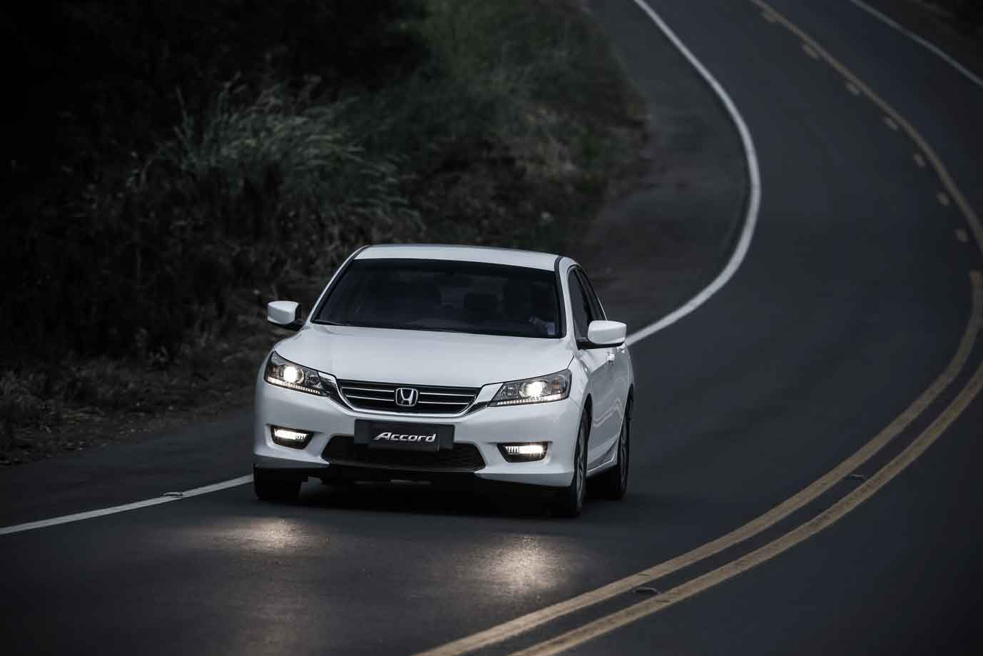 car i Honda Accord 2014