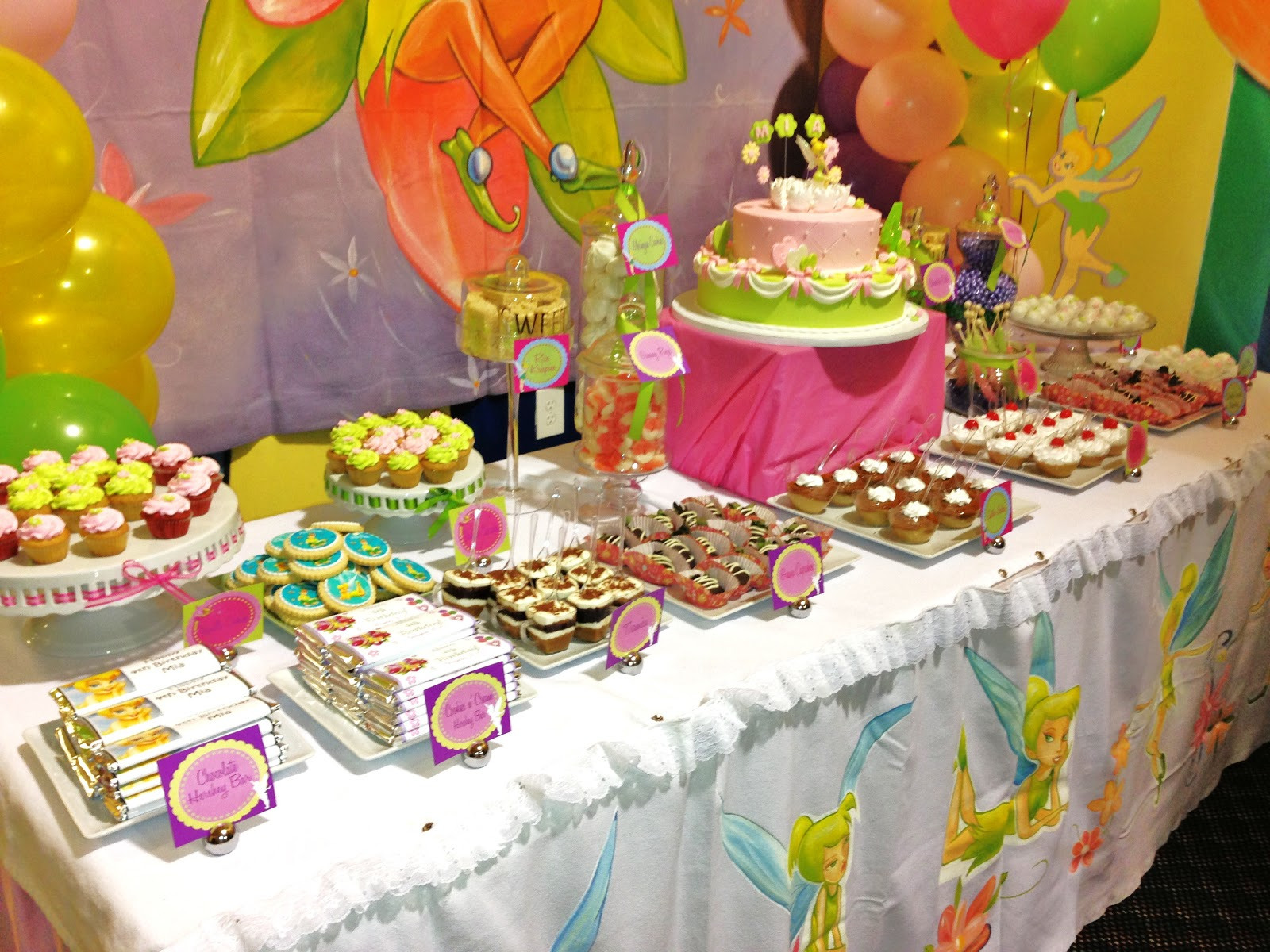 Sweet Treats Table Sign 16in x 8 1/4in | Party City Canada |Sweet Treats Party Table