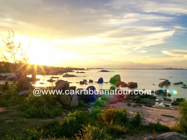 objek wisata Pantai Teluk Uber Bangka tour