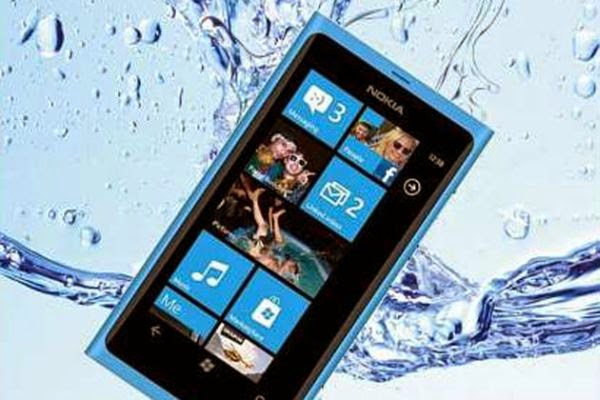 Tips mengatasi HP yang kena air
