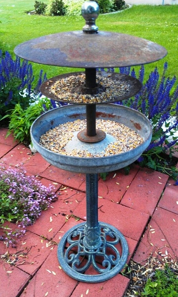 Dishfunctional designs the upcycled garden volume 7 for Old chicken feeder ideas