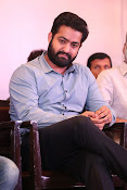 jr ntr photos at janatha garage success meet-thumbnail-16