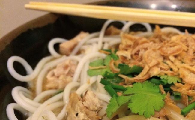 Xvlor.com Meeshay is pork noodle dish by Shan people in Myanmar