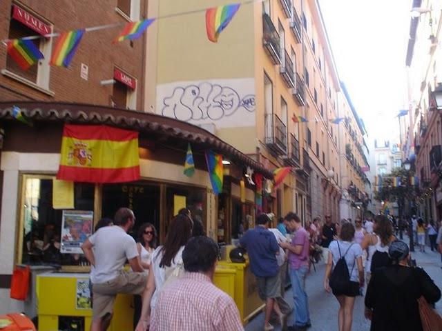 Programación de las Fiestas del orgullo Gay en la Plaza de Callao
