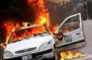 Αποτέλεσμα εικόνας για Στις φλόγες τυλίχτηκε περιπολικό