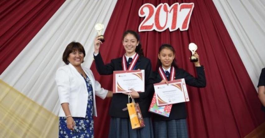 Estudiantes destacados de la Región Tacna recibieron Premio EDUCA 2017