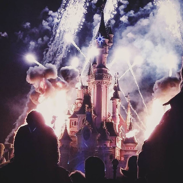 disneyland paris firework castle