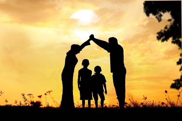 Sibuk Sehingga Melukakan Perasaan Ahli Keluarga Tanpa Sedar
