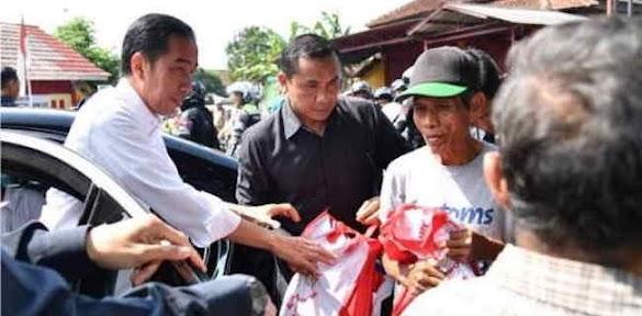 Bantuan Langsung Lempar Dan Kepemimpinan Transaksional Jokowi