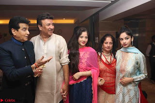 Sachin Tendulkar with his wife at Mata ka Jagrata hosted by Anu Malik 34.JPG