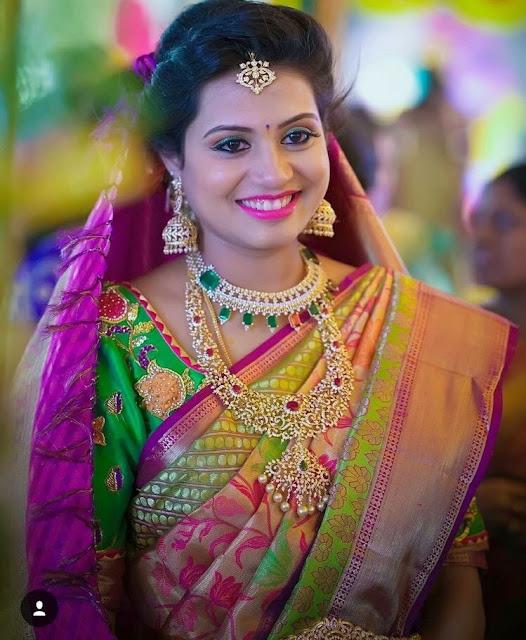 Bride in Diamond Floral Haram Choker