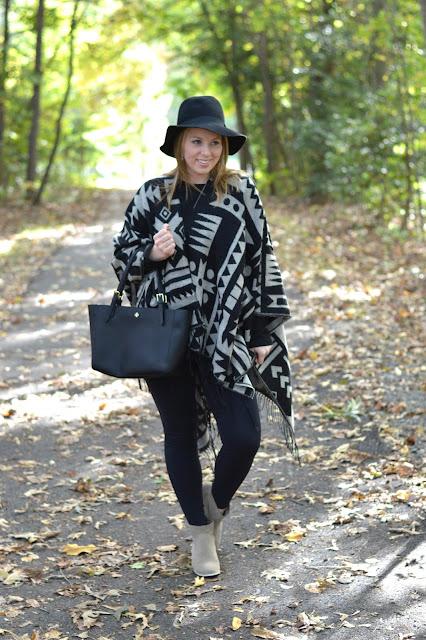 poncho-fall-outfit-idea