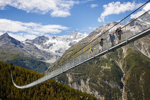 pod pietonal suspendat-Alpi