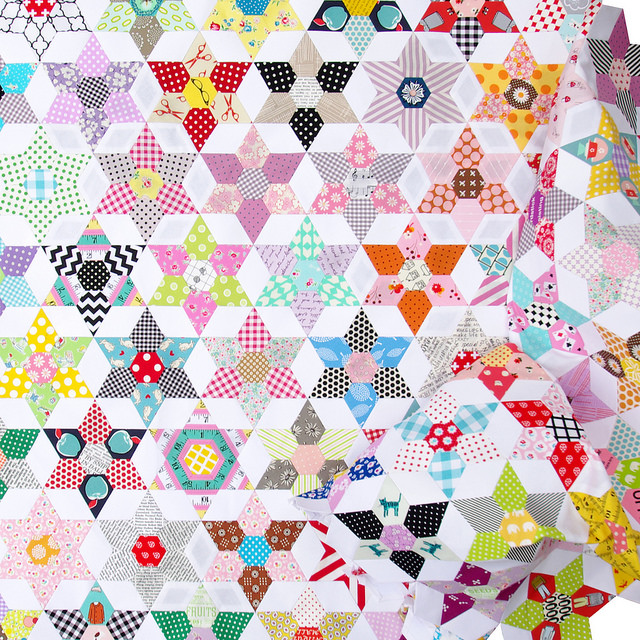 The Daisy Chain Quilt - English Paper Piecing | Red Pepper Quilts 2016