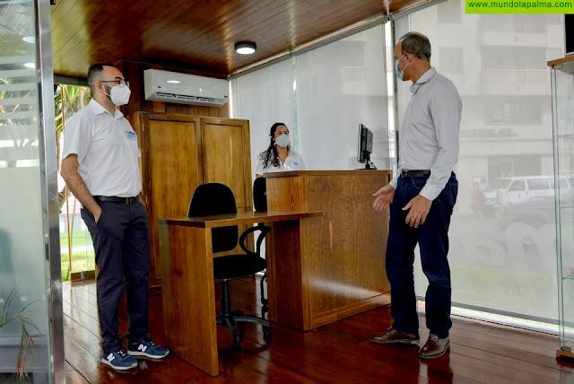 El Cabildo de La Palma reabre las oficinas de turismo del Aeropuerto y de la capital