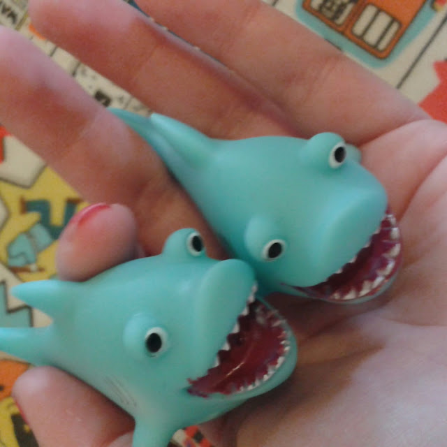 Baker Ross shark squirters