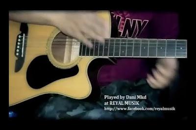 Ngedrum di Gitar