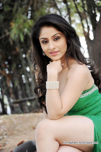 Actress Ankita Sharma Full Hd Gallery