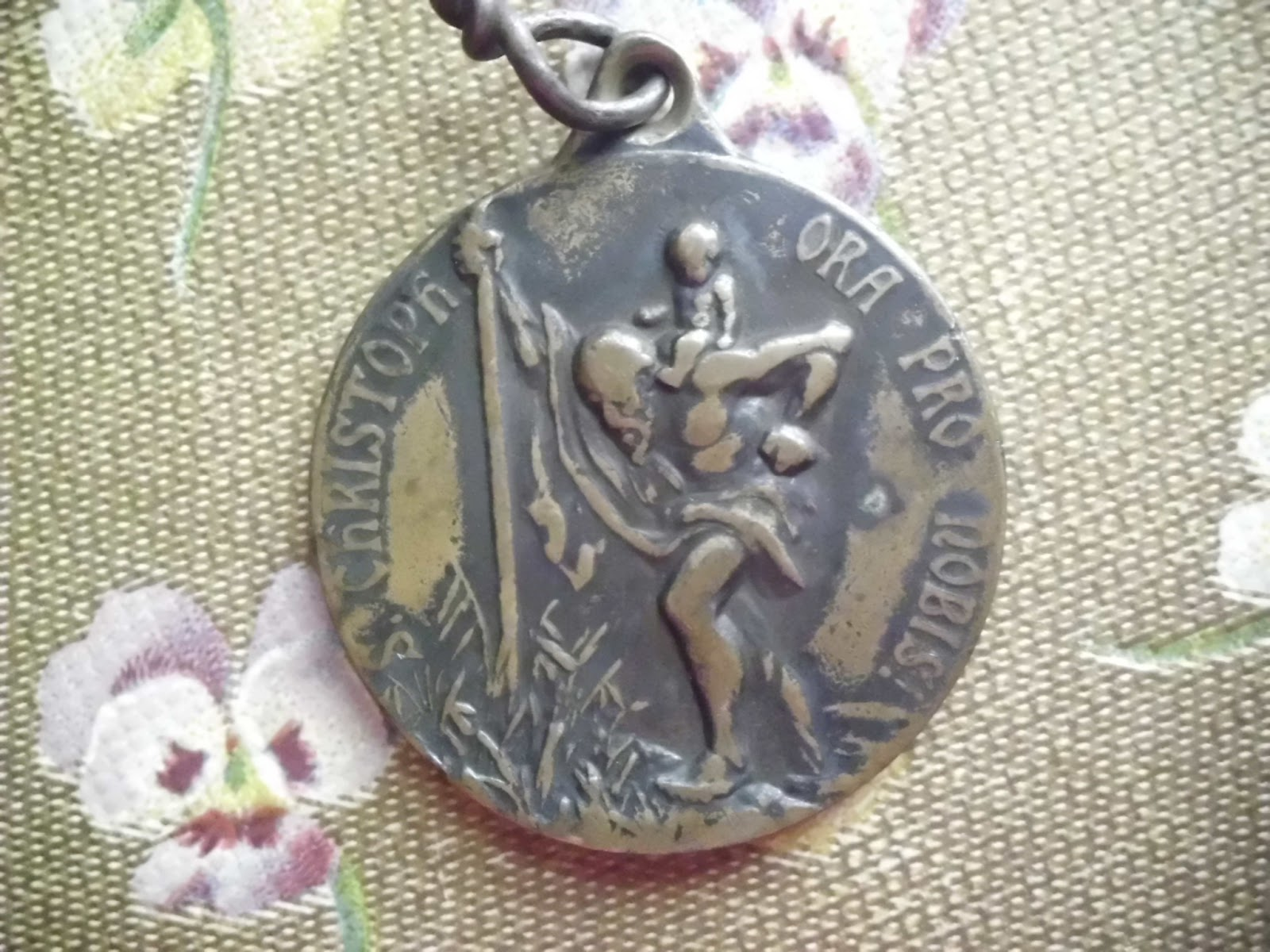 Vintage Religious Medals: Beautiful OLD Vintage St Anthony and Saint