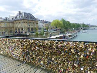 Puente de los candados en Paris