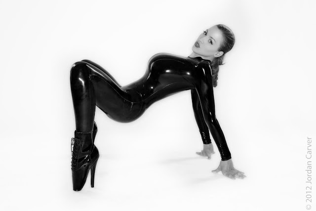 Jordan-Carver-Sandine-Hot-Photoshoot-in-Catsuit-356310