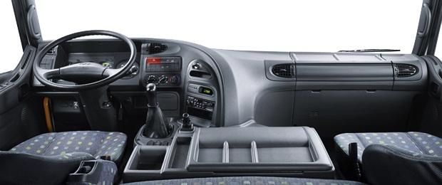 Nội thất cabin đầu kéo HD700 Hyundai