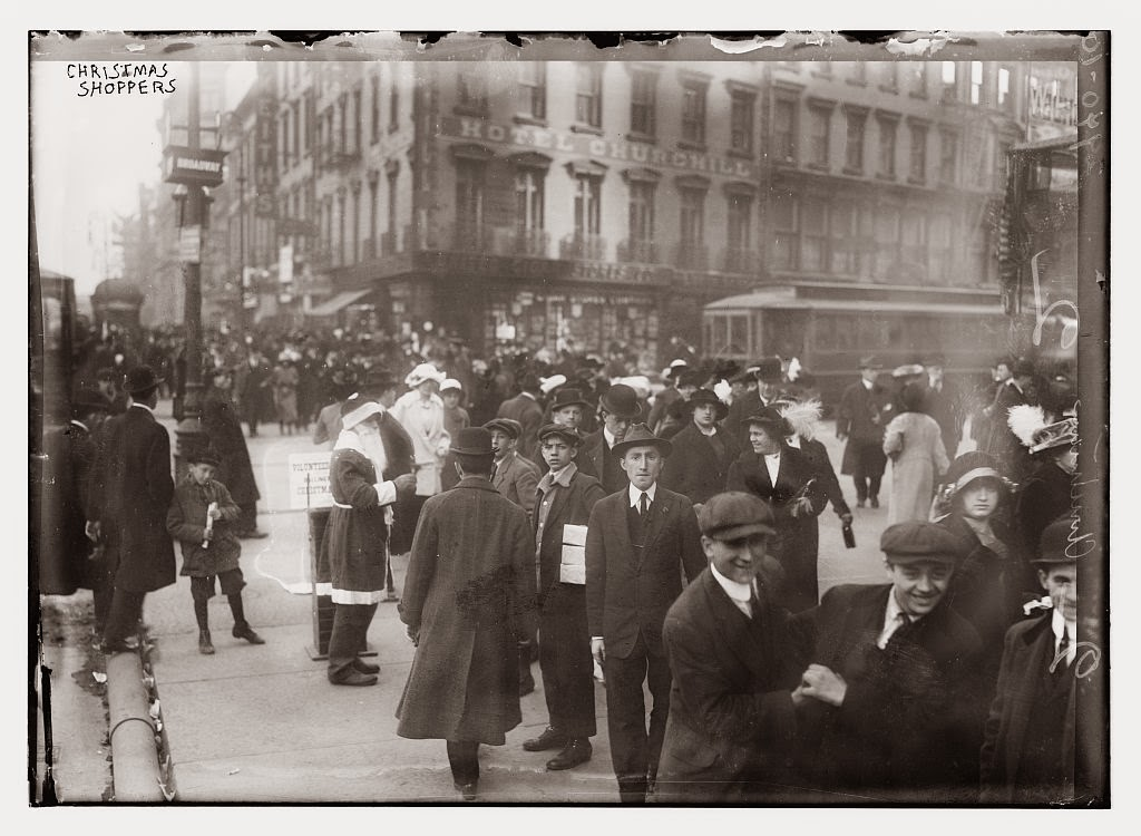 Christmas Shoppers In New York Between Ca 1910 1915