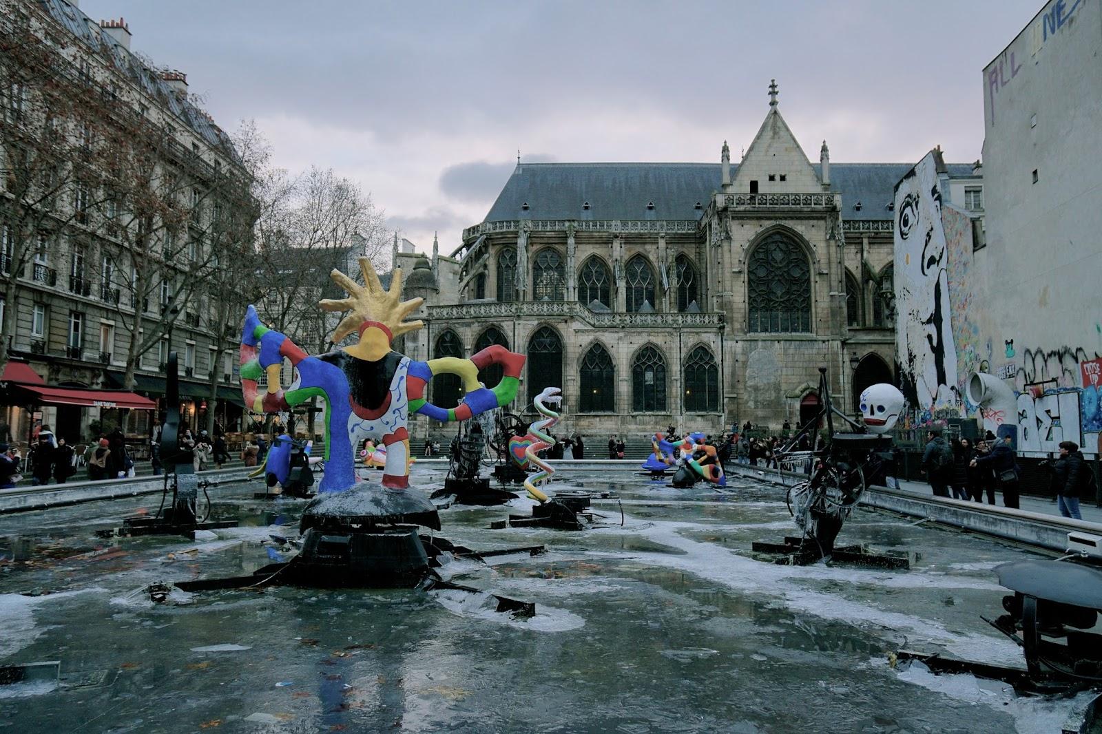 ストラヴィンスキー広場(Place Igor Stravinsky)