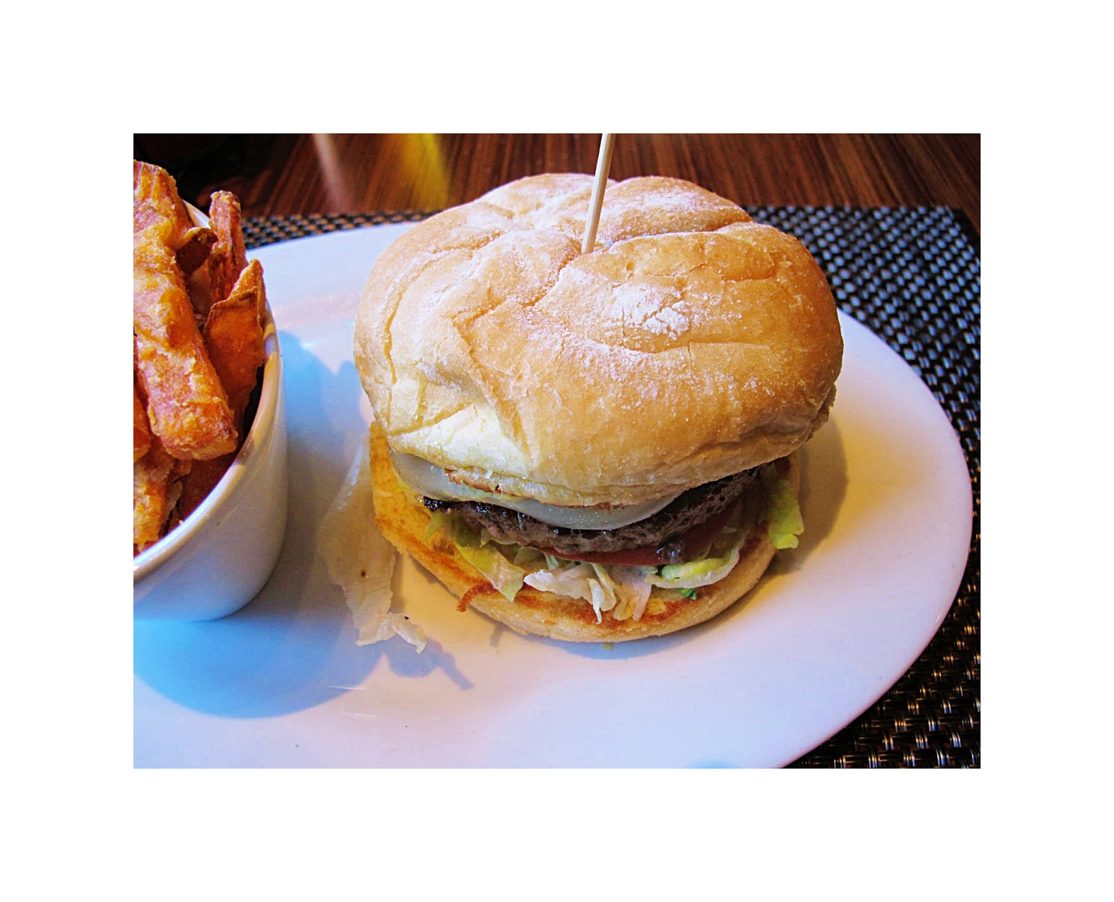 4ee15f2966ac5 Nigerian Hotel Restaurant Served Human Meat in there Hamburgers ...