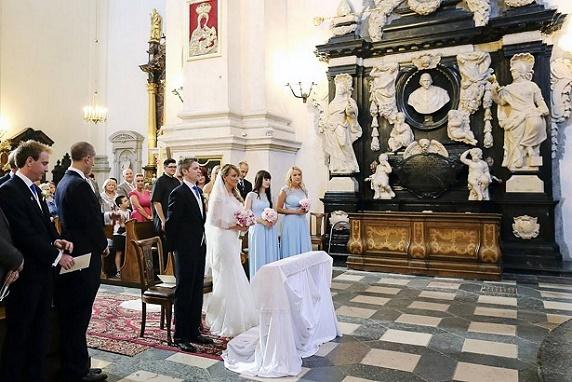 Ślub kościelny, ślub w kościele w Krakowie, polsko brytyjski ślub, ślub międzynarodowy