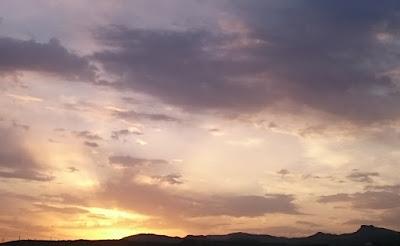 Solen går ned på Apelblomskusten