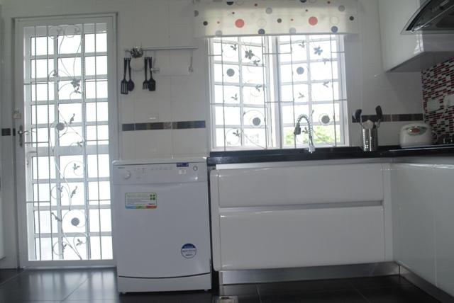 Orang Gaji Baru Bernama Beko Dishwasher Yang Banyak Membantu Kerja Mencuci Pinggan Mangkuk Ini Adalah Idea Suami Saya Pada Mulanya