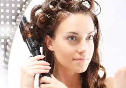 Trik Membuat Rambut Bergelombang