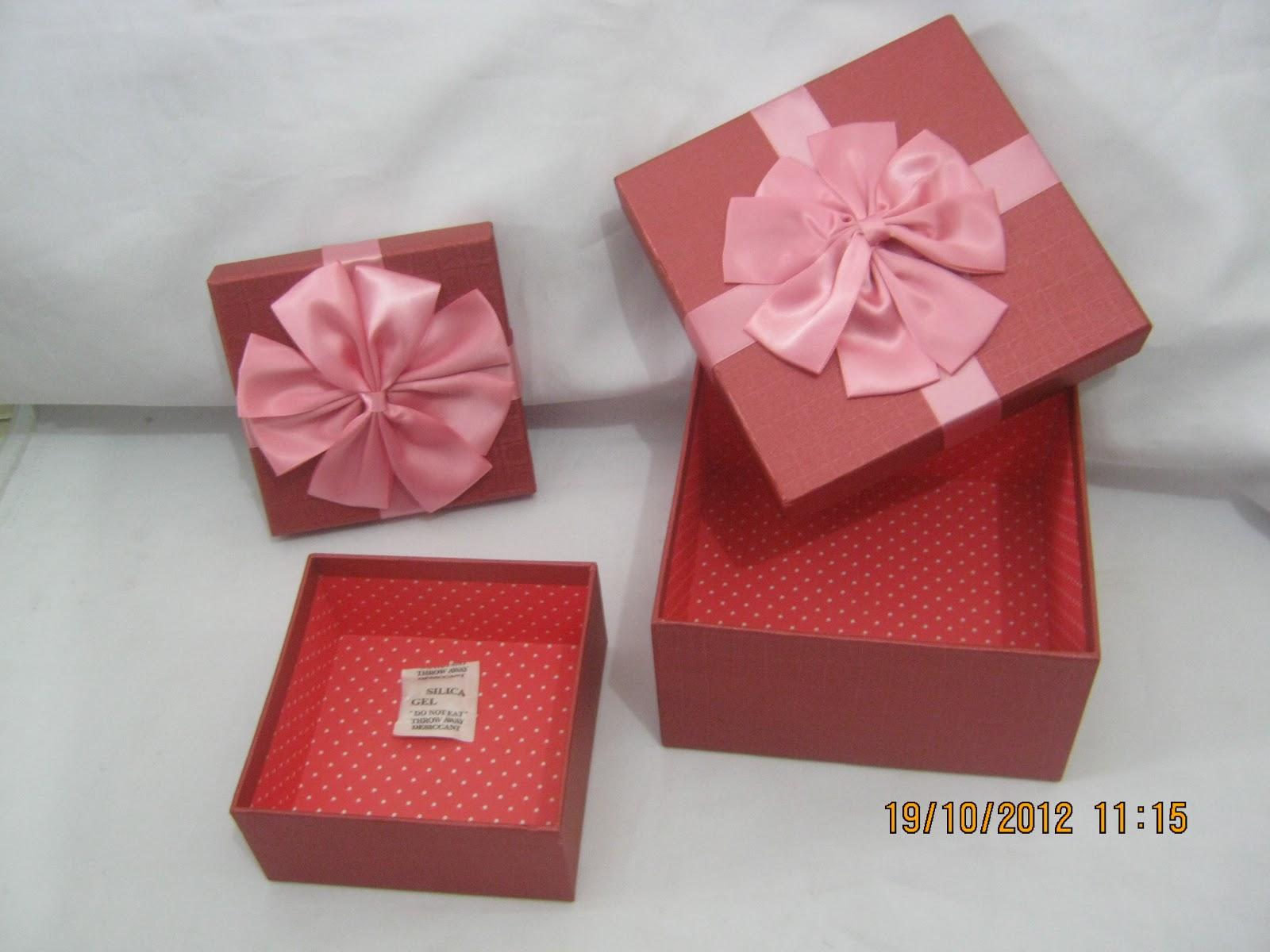 Singapore Gift Boxes: January 2013