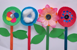 https://3.bp.blogspot.com/-ioHinJN5PnY/V3EIz7lsgtI/AAAAAAAAJV8/8SegL8ICFiYmBcCB7gE2cfE4uGZvN34FACLcB/s320/flower-craft-free-kids-pop-sticks-easy-patty-pans1.jpg