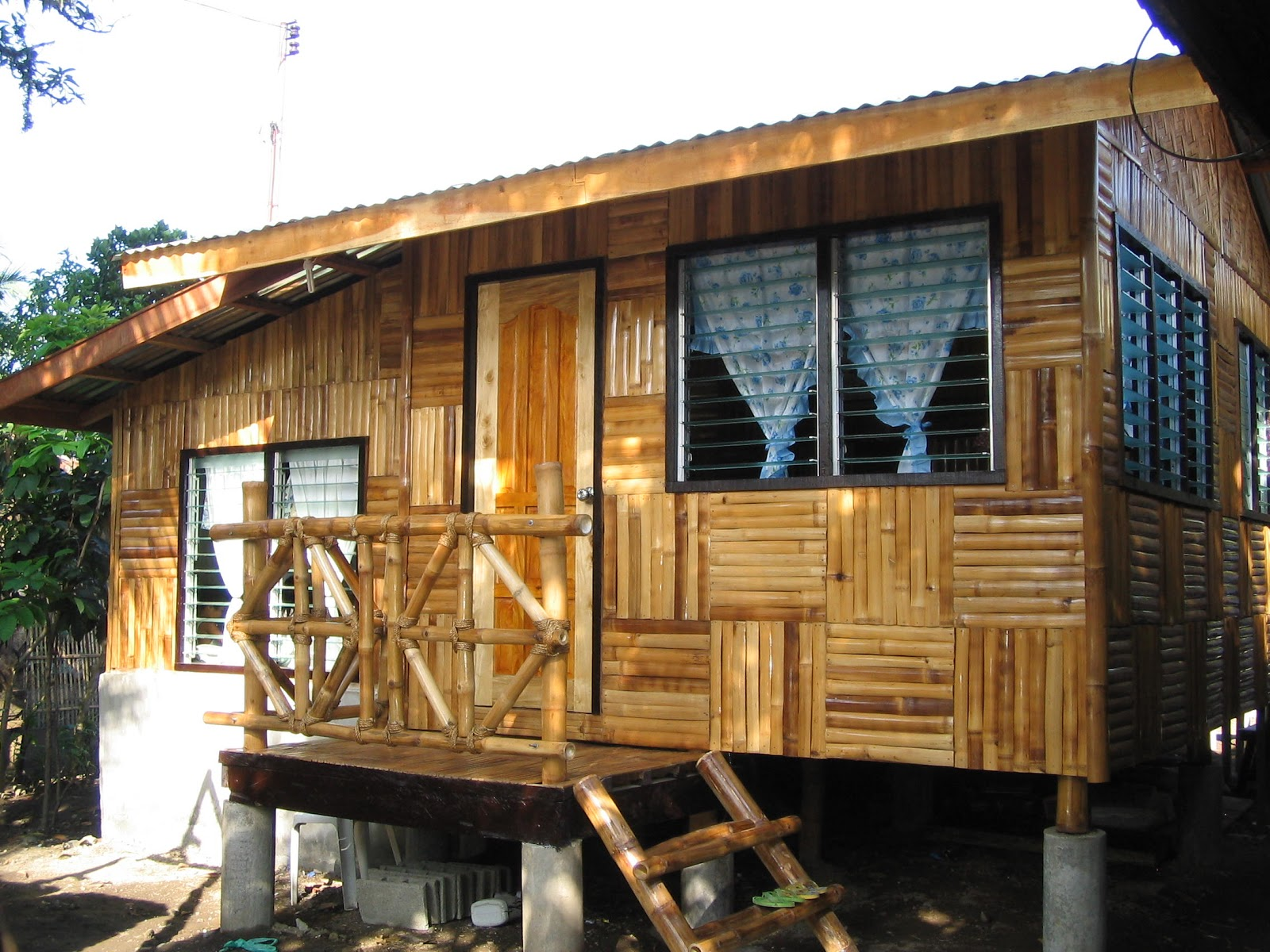 Small Bamboo House House Affair