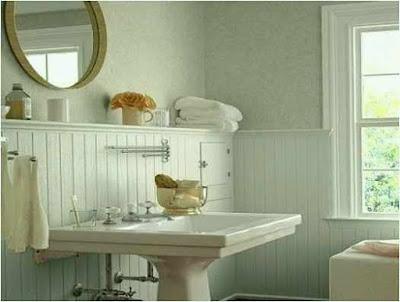 Bathroom Using Wainscoting