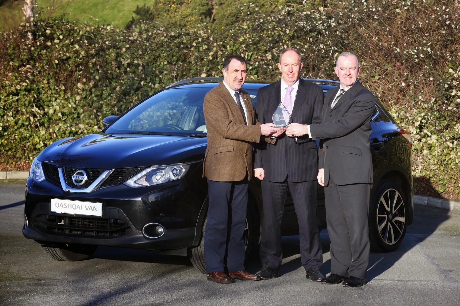 c3cf95b99d James McCarthy of Nissan Ireland (centre) accepts the Qashqai Commercial  award