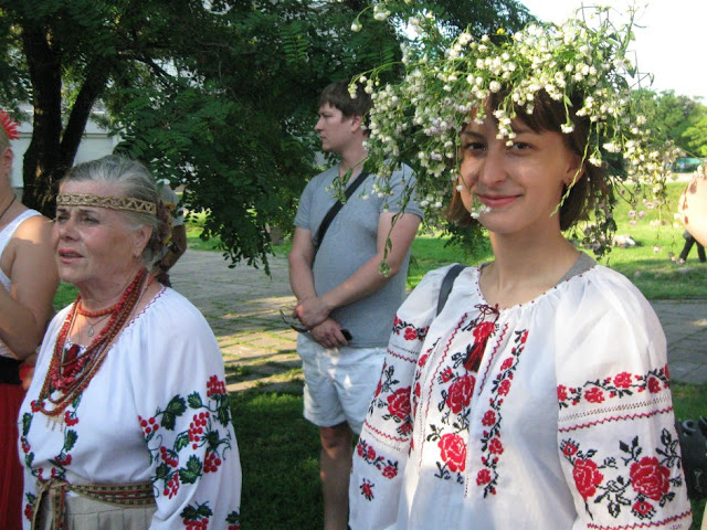 Women wearing traditional dress of Belarus