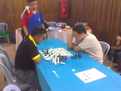 Chess Blogger versus Chess Blogger in a Chess Tourney