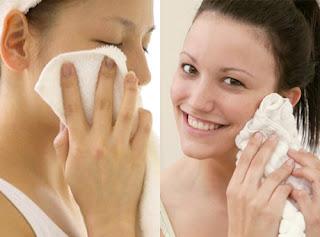 Hindari  Menggosok Wajah dengan Handuk