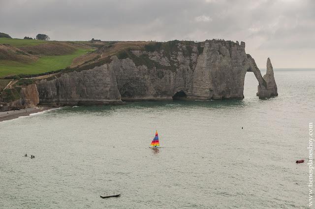 Étretat viaje Normandia turismo que ver diario